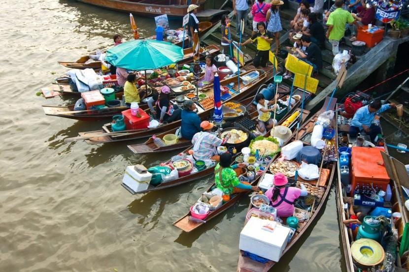Plávajúci trh Amphawa