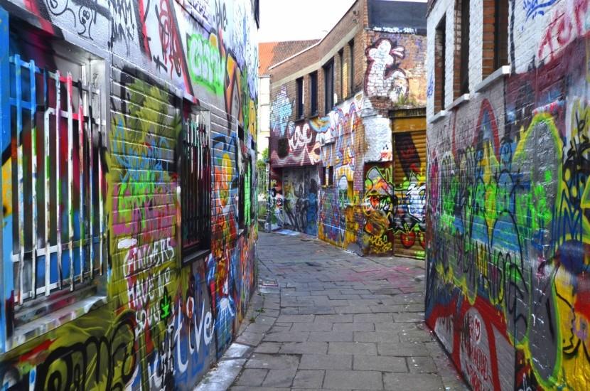 Graffiti street v Gente