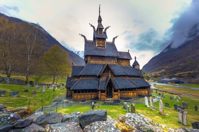 Stĺpový kostol v Borgunde