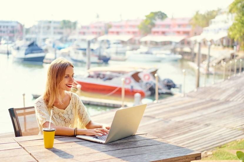 Ako skĺbiť prácu a cestovanie?
