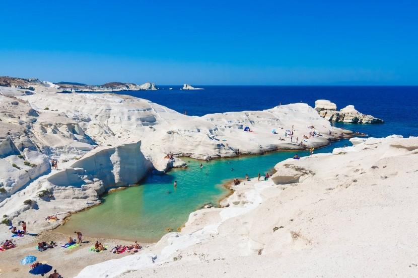 Pláž Sarakiniko, Milos, Grécko