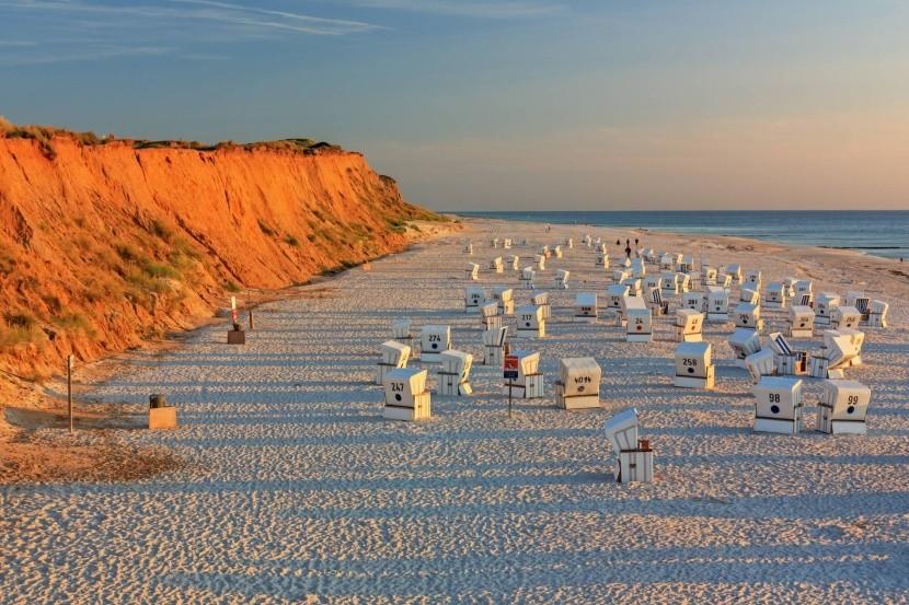 Pláž pri Rottes Kliff, ostrov Sylt, Nemecko