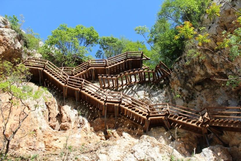 Trasa Stinice - Roški slap - Oziđana pećina