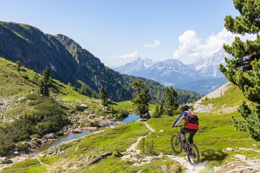 Dachsteinom na bicykli