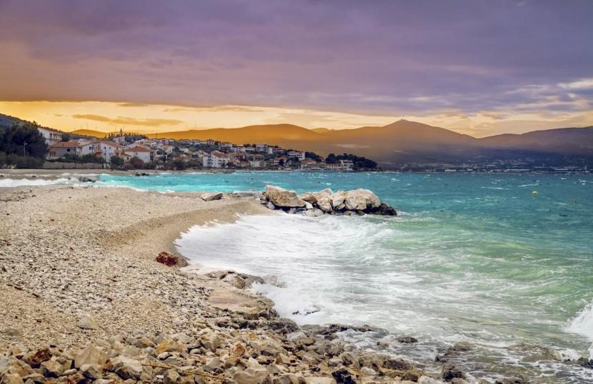 00d238a6e3d8 Užite si prázdne pláže a peknú krajinu chorvátskeho ostrova Čiovo ...