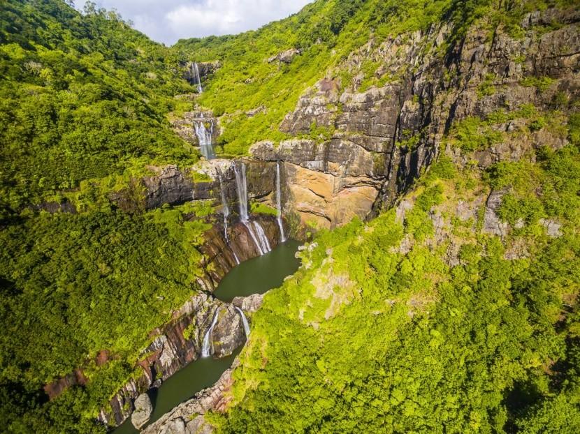 Skúste napríklad canyoning pri vodopádoch
