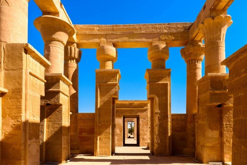 Chrám Hibis v oáze Charga, Egypt