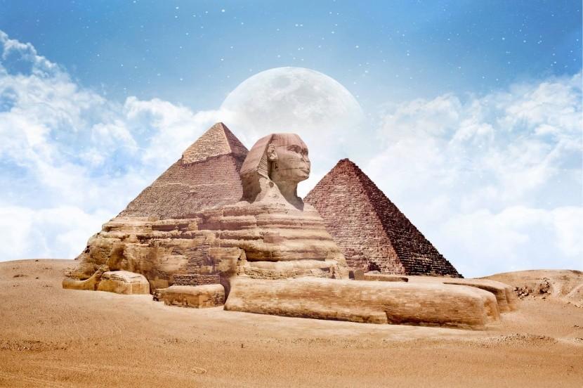 Pyramídy + Sfinga (Egypt)