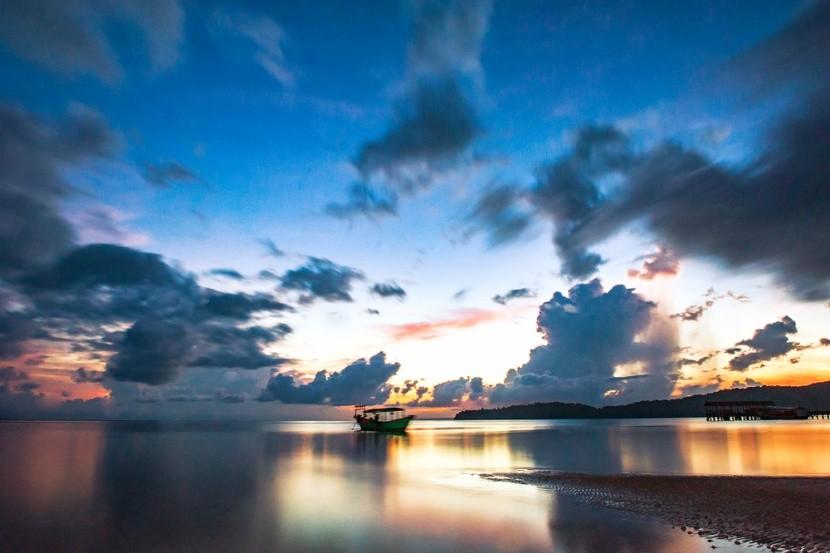 Koh Rong Samloem pri západe slnka