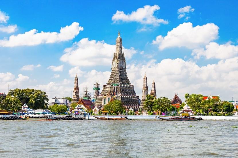Wat Arun v Bangkoku