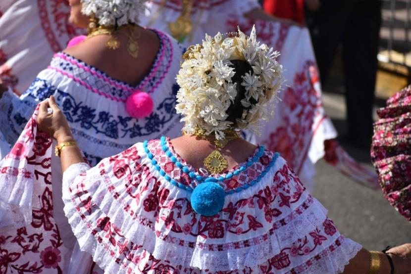 Tradičný odev panamských žien