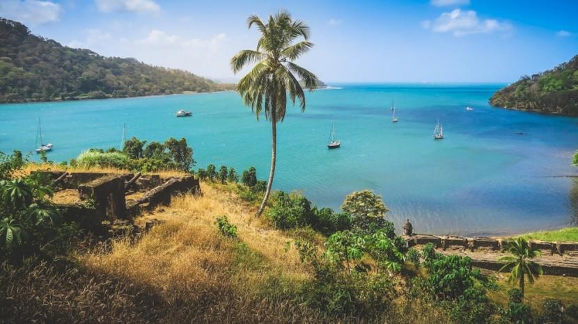 Záliv v Portobelo a historické kanóny