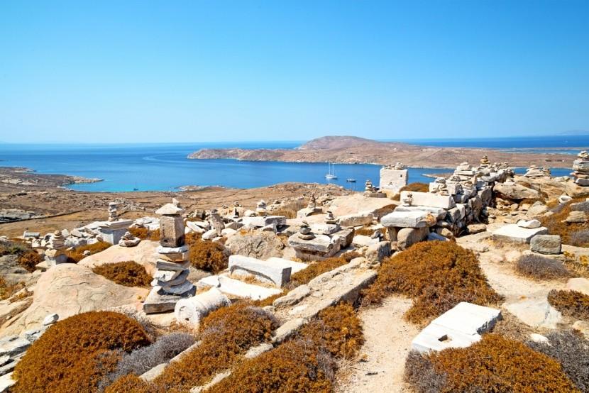 Grécky ostrov Délos v Egejskom mori