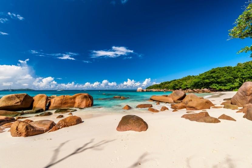 Pláž Anse Lazio, ostrov Praslin