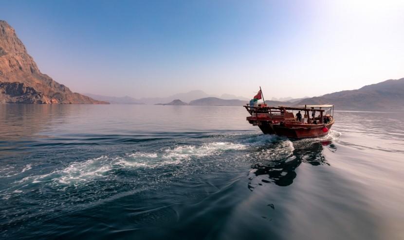 Okružná plavba v ománskych fjordoch